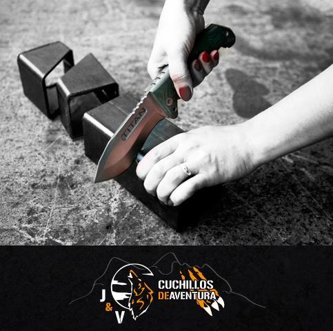 J & V Cuchillos de aventura